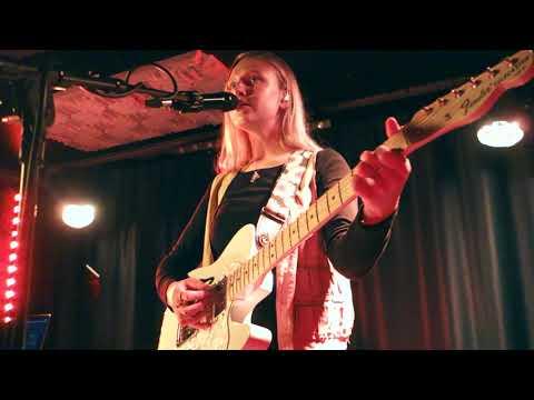Billie Marten - She Dances - Live  At Le Popup Du Label, Paris 2019