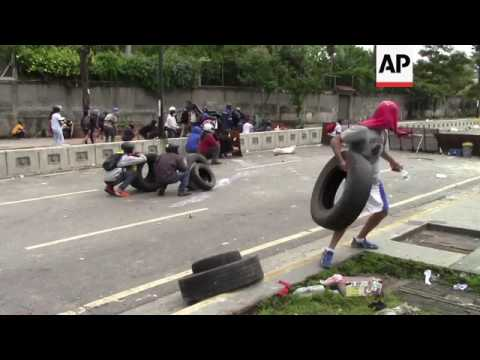 Venezuela protesters clash with security forces