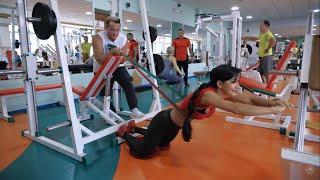 Тренировка в зале Ягодицы и бёдра