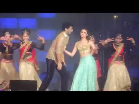 Dilli Wali Girlfriend Aditya Roy Kapur and Alia Bhatt Dream Team Concert HD