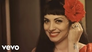 Mon Laferte - Mi Buen Amor (Video Oficial) ft. Enrique Bunbury