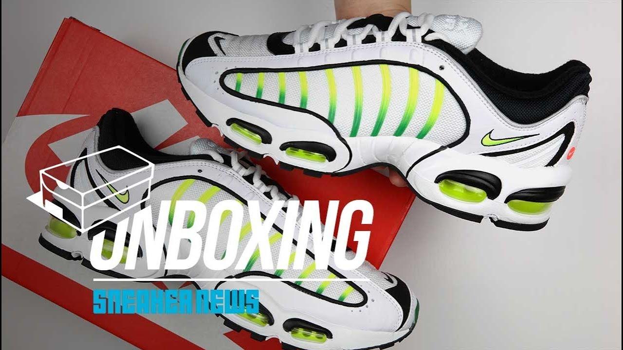 4365378207 Unboxing Nike Tailwind 4 - YouTube