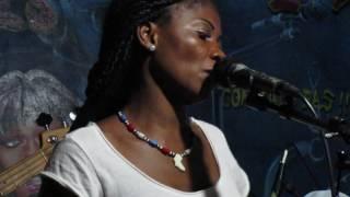 """Download lagu Mario version bikutsi  au Cabaret """"Big Boss"""" Yaoundé MP3"""