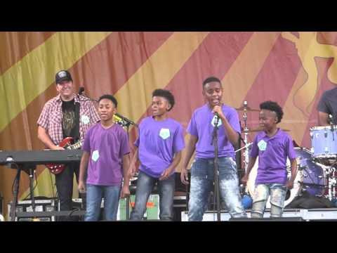 Better Than Ezra & Bethune Elementary Students - Juicy (Jazz Fest 04.24.16) HD