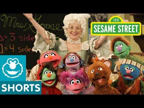 Sesame Street: Mother Goose's School For Nursery Rhyme ( With Shirley Jones)