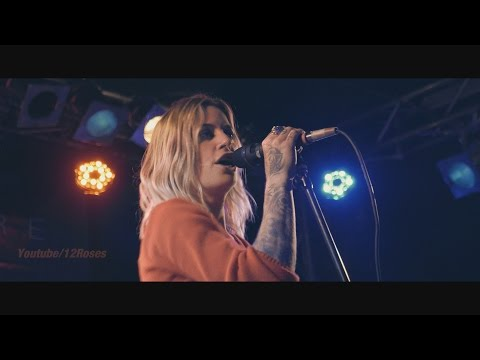 "Gin Wigmore (live) ""Devil in me"""" @Berlin Oct 11, 2015"