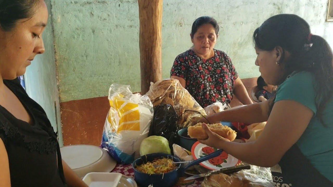 Doña Doris Le Ayuda A Hacer Sus Ventas Para Pagar Sus Deudas😢