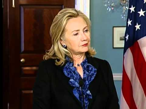 Secretary Clinton Meets With Norwegian Foreign Minister Stoere