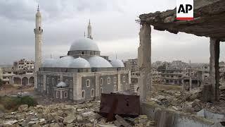 Homs residents begin reconstruction work