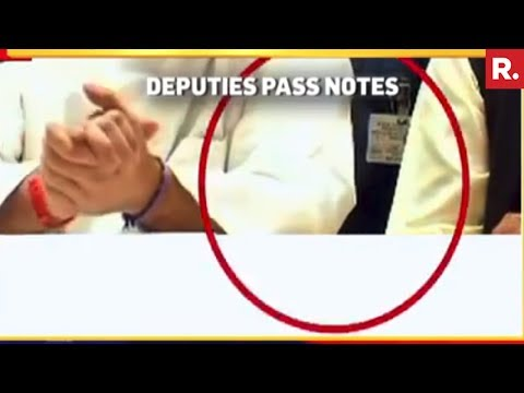 Rahul Gandhi Passed Chits In The News Conference - Full Video Footage