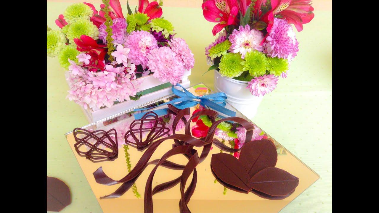 Decoraciones de chocolate espirales y hojas de chocolate for Decoraciones para hojas