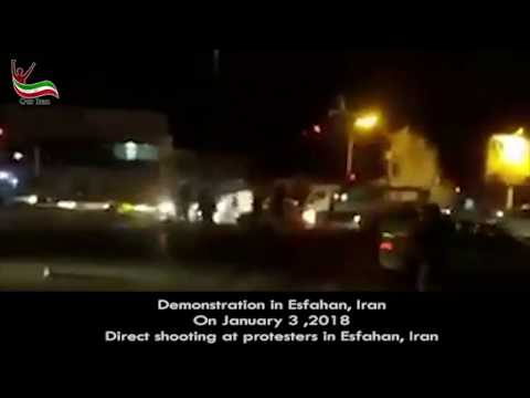 Direct shooting at protesters in Esfahan, Iran with tear gas   Jan  3, 2018
