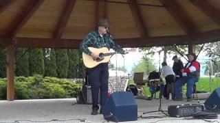 slim young at creston blossom festival 2014