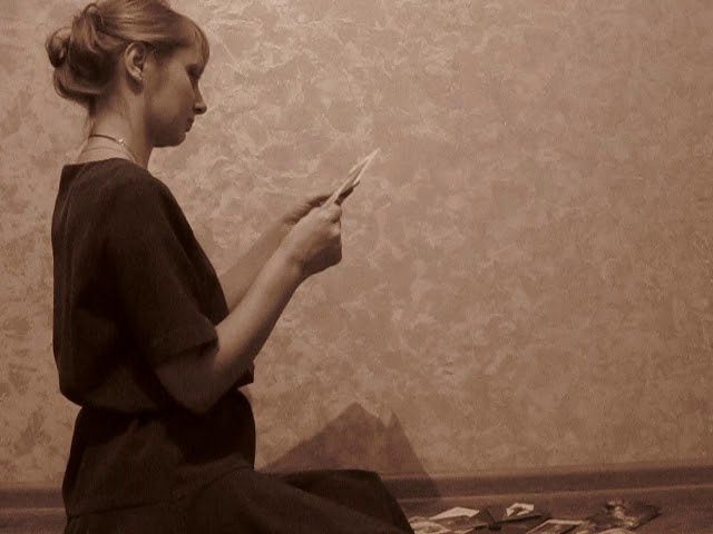 Изображение предпросмотра прочтения – ВикторСеменченко читает произведение «Она сидела наполу…» Ф.И.Тютчева
