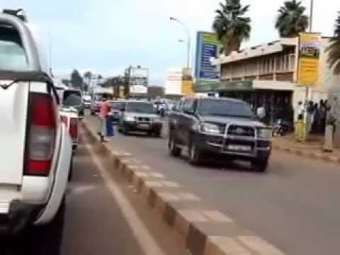 Yoweri Museveni 40 Car Ugandan Presidential Motorcade | Convoy