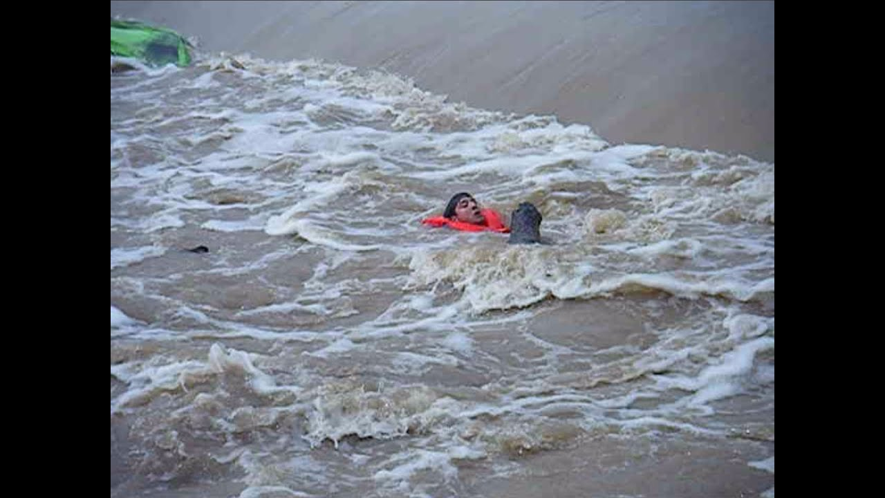 INCREDIBLE! Man Rescued From Drowning in Raging Texas ...