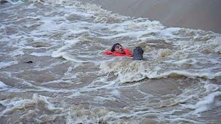 INCREDIBLE! Man Rescued From Drowning in Raging Texas Flood