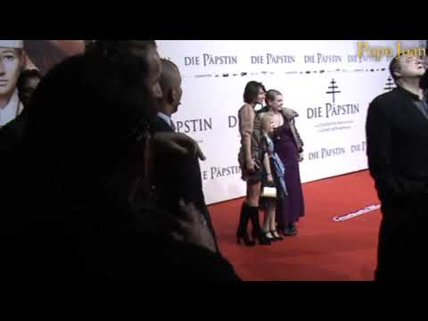Pope Joan Premiere: Johanna, Lotte & Tigerlily leading actresses
