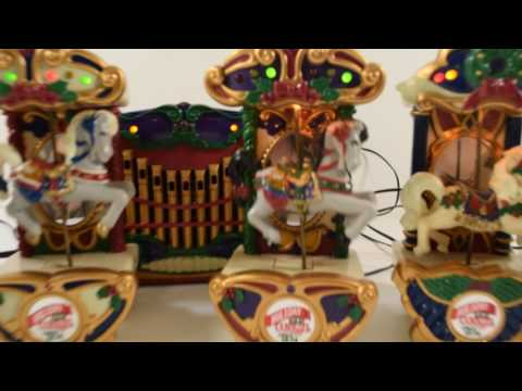 Mr. Christmas Holiday Carousel Musical with 6 Horses Figurines Plays 21 Carols