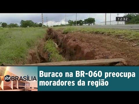 Buraco na BR-060 preocupa moradores da região