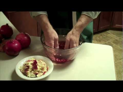 How To Seed A Pomegranate Without Getting Juice Everywhere | HuffPost Life