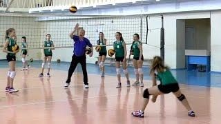 Волейбол обучение. Девушки. Упражнения на отработку приема. Тренировка. Часть 5