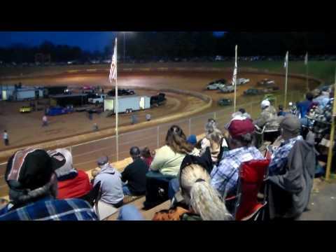 Friendship Motor Speedway(RENEGADES) Part #1) 3-25-17