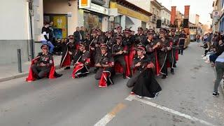 Comparsa con temática del Holocausto participa en un desfile de Carnaval