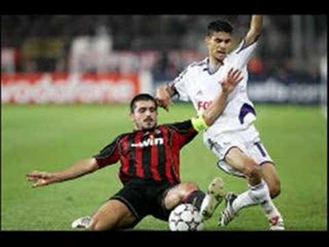 Queen - Football Fight