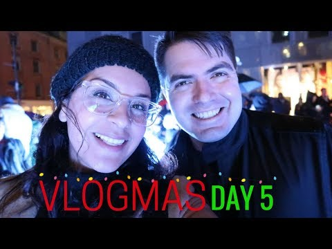 VLOGMAS DAY 5, 2017  |  Getting Paid to Hangout  |  Flight Attendant Life