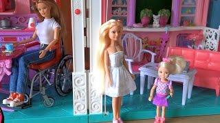 Видео с куклами Барби, серия 423, Фиби потеряла  собаку и Келли на нее кричит