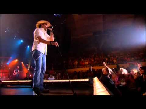 Jason Aldean Wide Open & More - On My Highway (LIve)