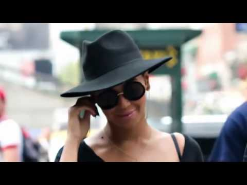Beyonce & Jay-Z - New York Knicks X Miami Heat (Bar Pitti)