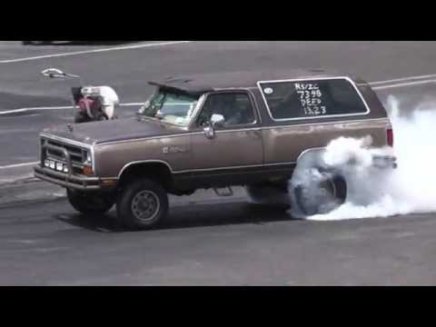 A Fast Dodge Ramcharger Drag Racing Lol Youtube