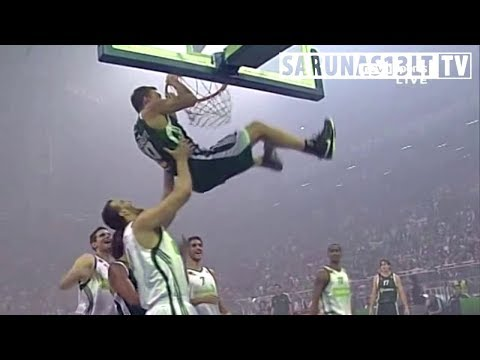 Jasikevičius SICK Two-Handed Dunk at OAKA arena, 2010