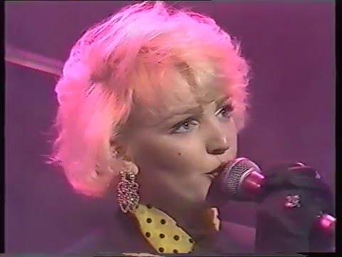 The Primitives Crash Friday Night Live 18/03/88