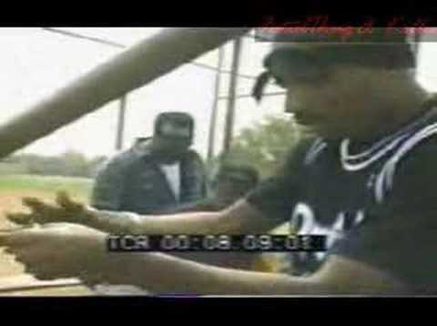 TUPAK SHAKUR! .   .   .   .  HOW TO ROLL A JOINT!