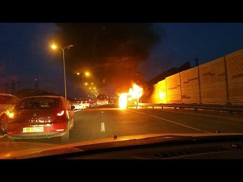 אמש בכביש 443 - רכב עלה באש