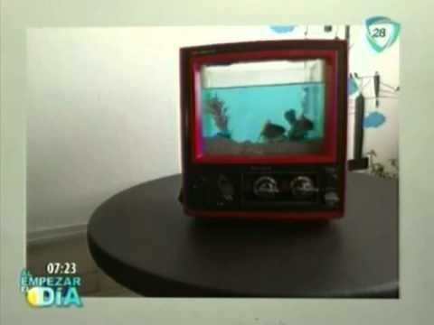 C mo convertir una vieja televisi n en una hermosa pecera for Mesa tv 49 pulgadas
