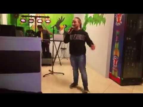 Karaoke  al risto - grill pub birra e ciccia - Monza - Io canto basket case dei green day - 3.2.18.