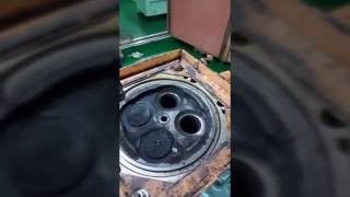 Полезные советы для судового механика/ Демонтаж крышки цилиндра для замены выхлопного клапана