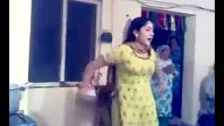 Lahori Girl dance in wedding at home with a nice pashto song