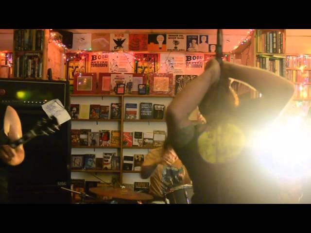 Animal Chin - Live @ Nice Price Books 5/19/2014