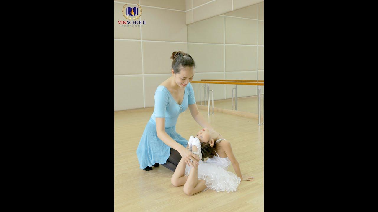 Giờ học múa Ba-lê tại Trường Mầm non Vinschool Royal City