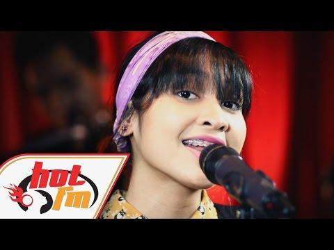 SISSY IMANN - MUNGKIN KAMU (LIVE) - Akustik Hot - #HotTV