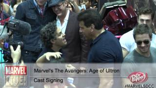 Two Hulks Collide as Mark Ruffalo and Lou Ferrigno Meet at Comic-Con 2014