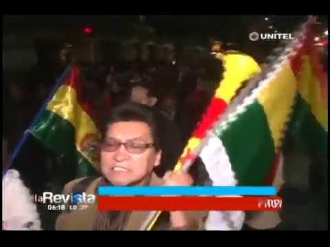 Cientos de personas marcharon en el centro paceño pidiendo abrogación del Código Penal