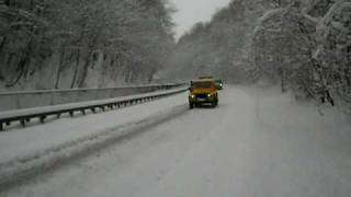 AA (Automobile Association) Land Rover in snow