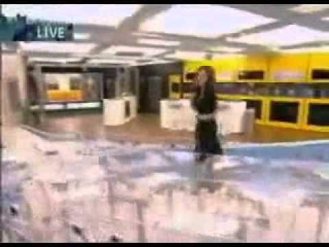 Big Brother 6 UK - 2005 House Tour - Davina McCall - Channel 4