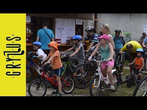 Biciklitúra Gryllus Vilmossal a 26. Művészetek Völgye Fesztiválon (Kapolcs, 2016)